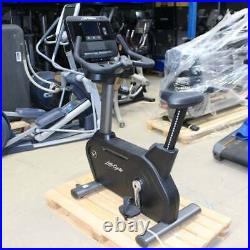 Life Fitness Bike Integrity LifeCycle DX Console Upright Ex-Demo Commercial Gym