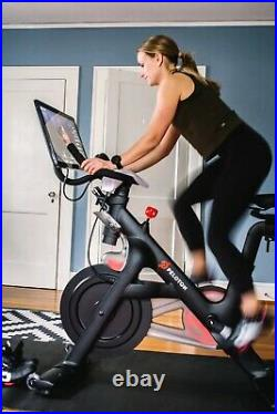 Peloton spin exercise bike with Screen Excellent Condition